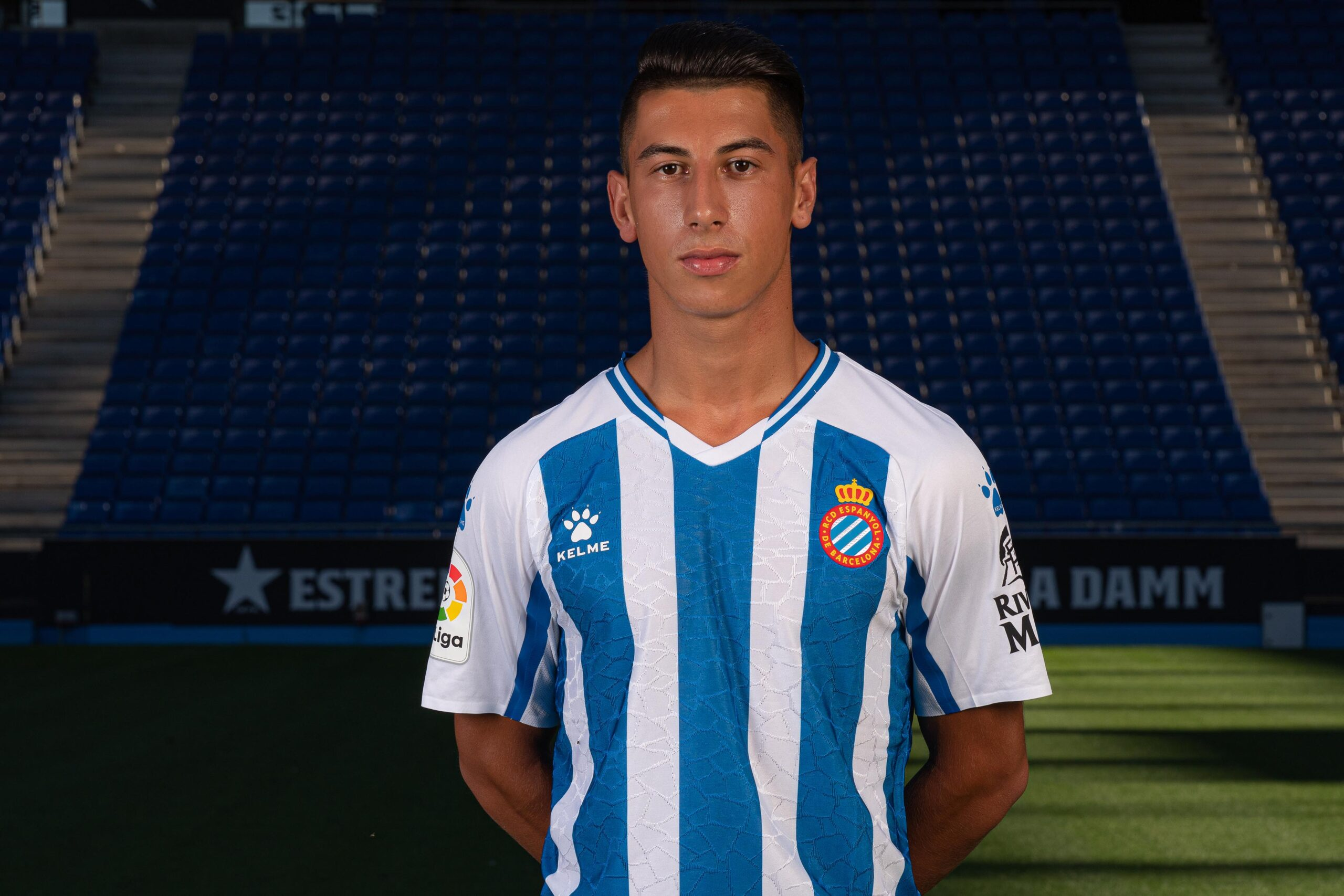Primera samarreta de l'Espanyol per a la temporada vinent | @RCDEspanyol