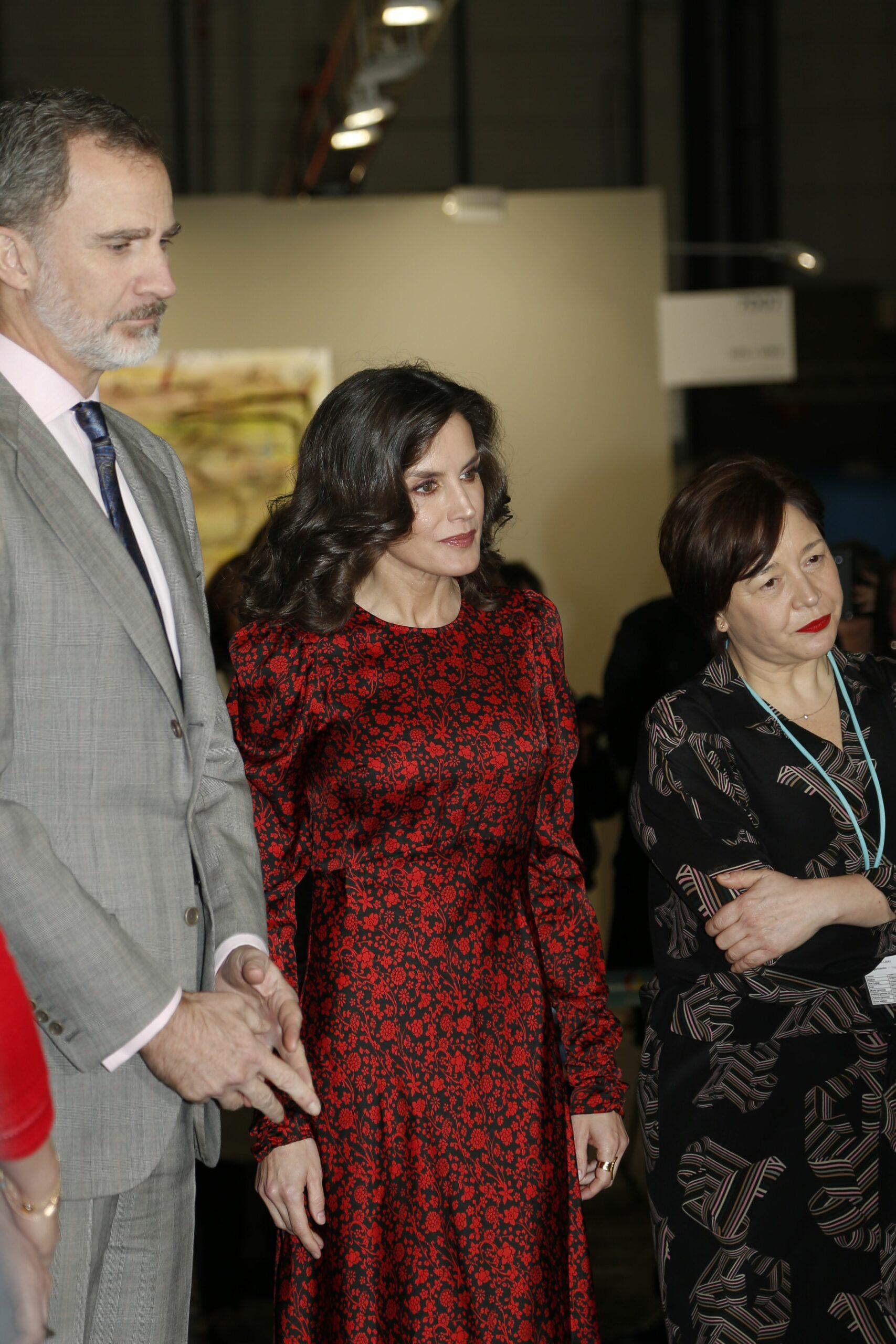 La reina Letícia sorprèn amb el vestit d'ARCO   Europa Press