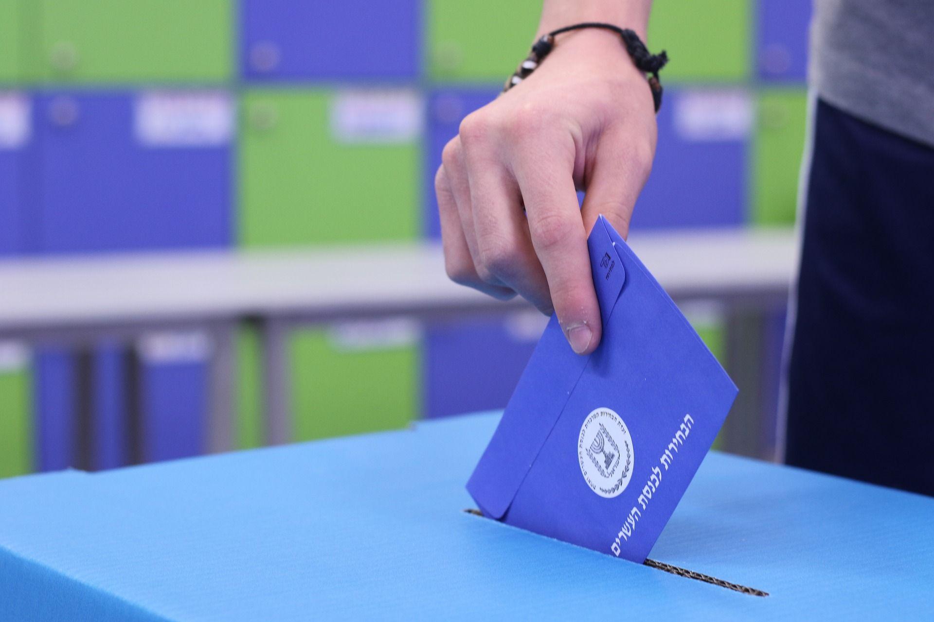 El vot presencial i el vot per correu tambe? poden ser manipulats