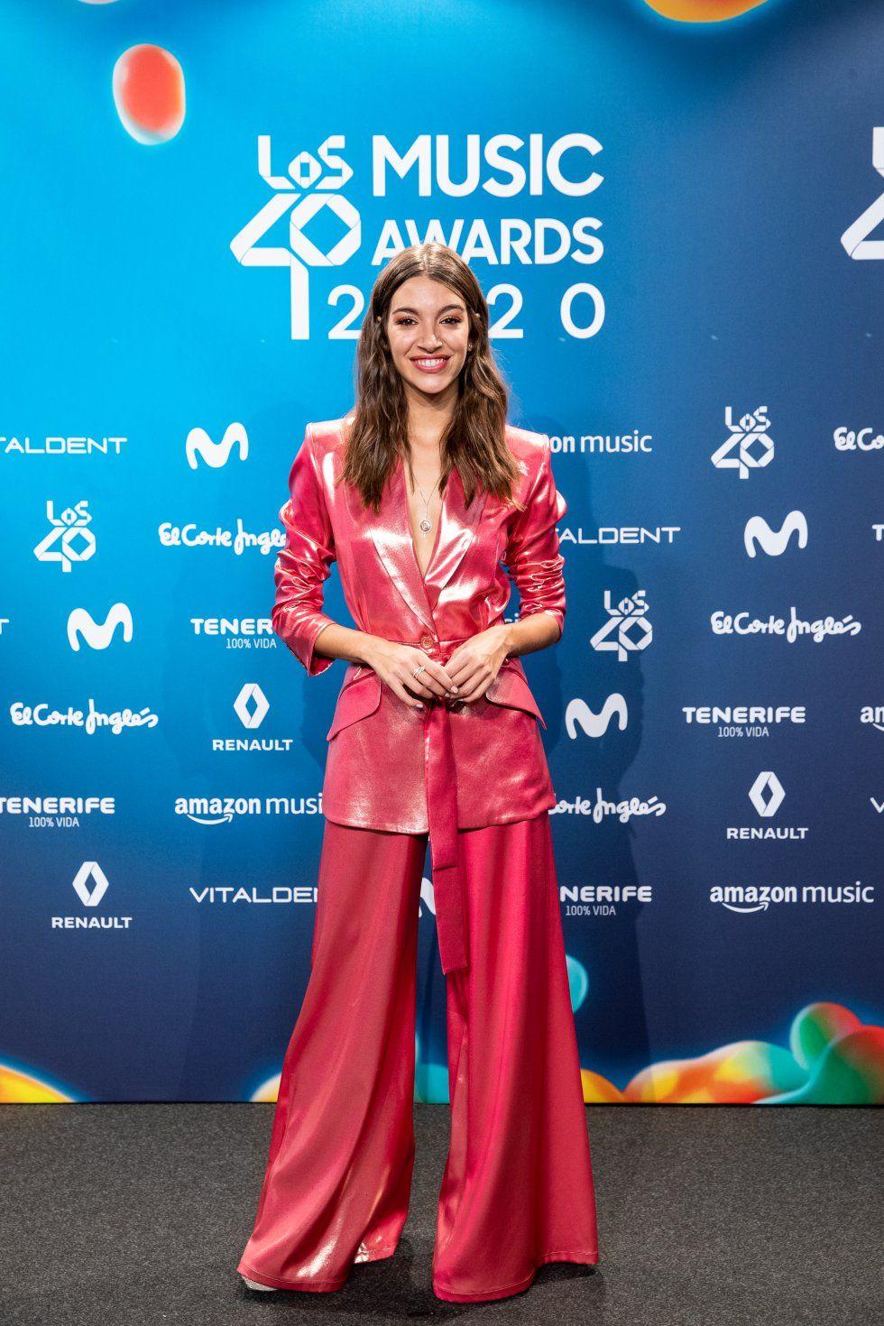Ana Guerra, de vermell en els premis de Los 40