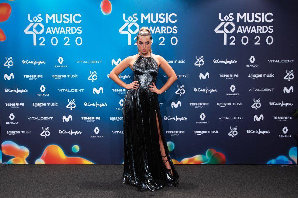 Lola Índigo, a la catifa vermella dels premis de Los 40