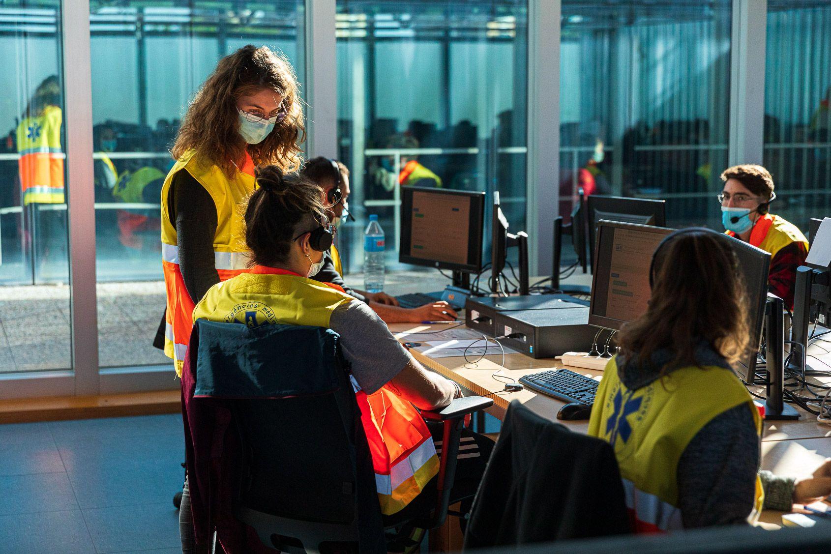 Espai de gestors de contactes directes a Hospitalet de Llobregat / Jordi Borràs