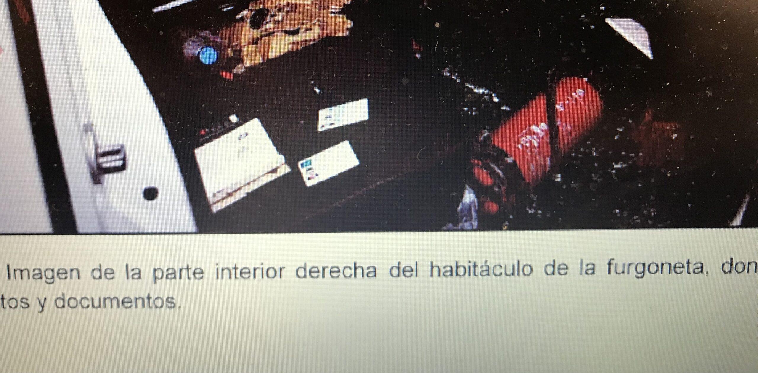 La documentació dels terroristes a la furgoneta aturada a la Rambla