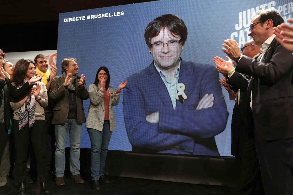 Un míting del 21D amb un vídeo de Puigdemont, ja a l'exili