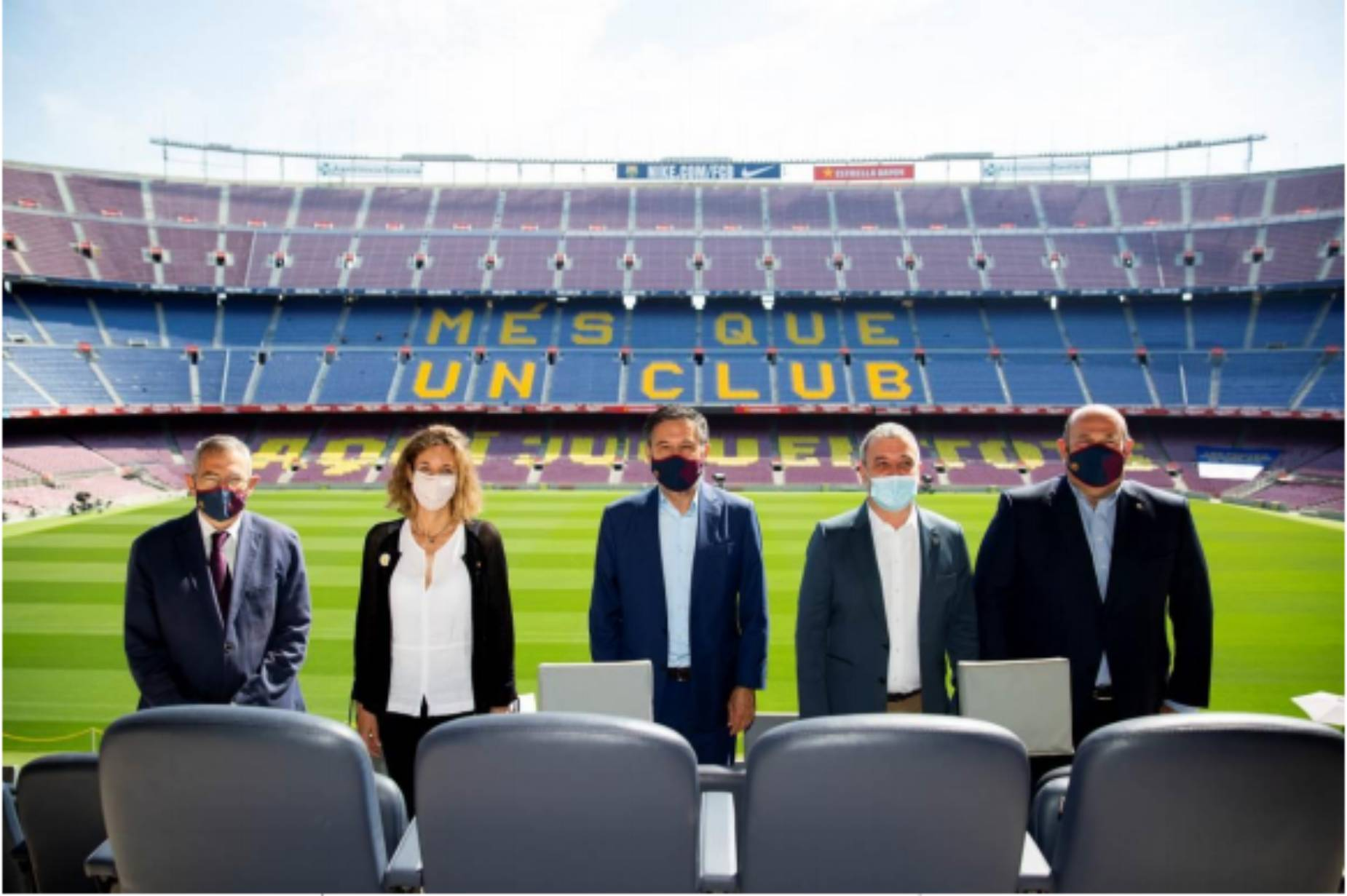 Bartomeu, amb Chacón i Collboni al Camp Nou   FC Barcelona