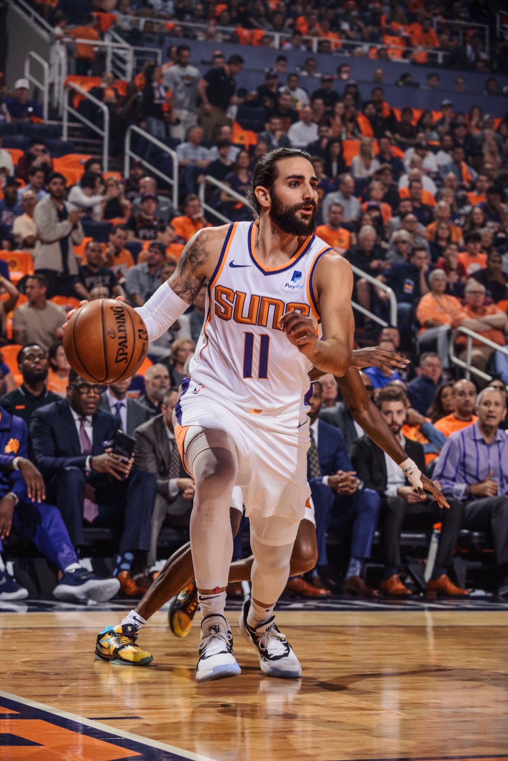 Ricky Rubio, durant el seu primer partit oficial amb els Suns   Phoenix Suns