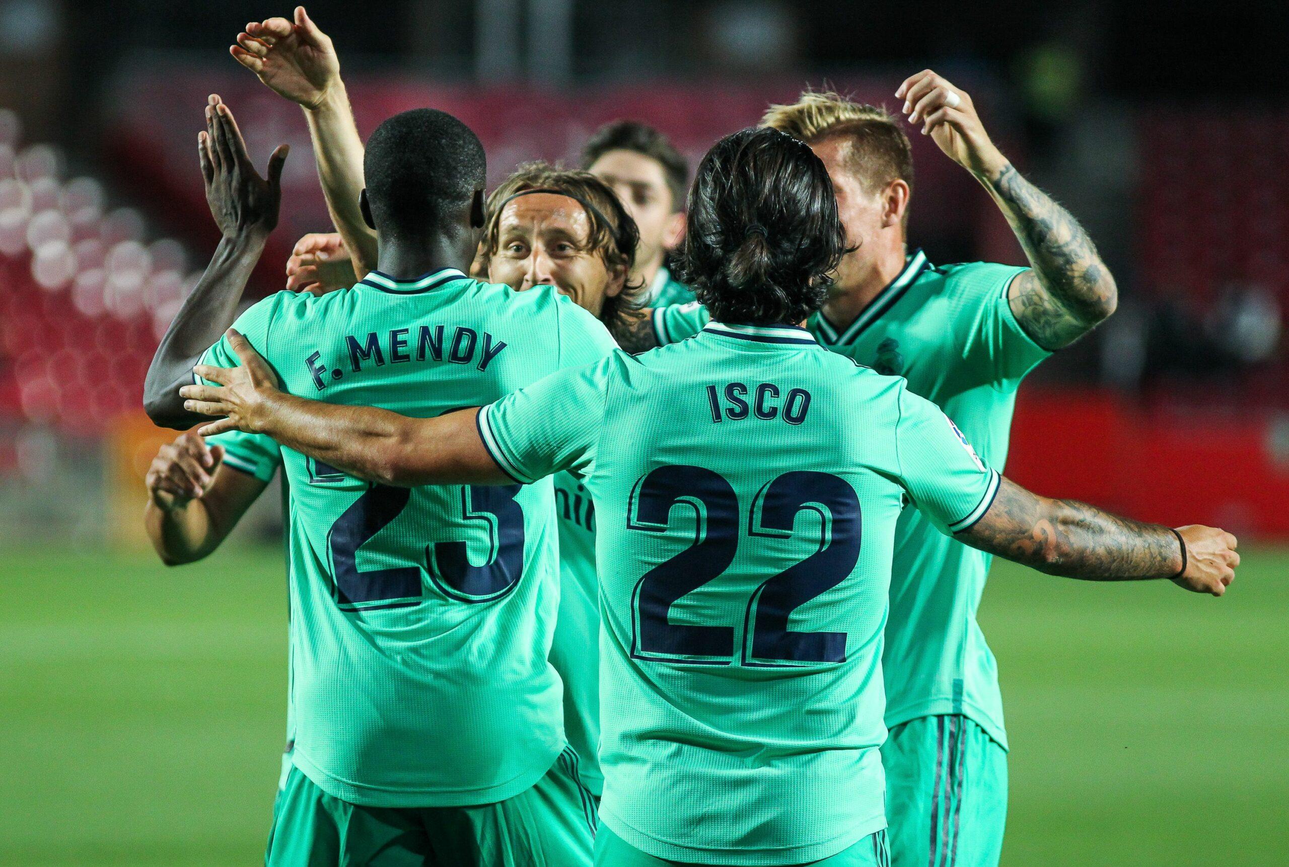 Els jugadors del Madrid celebren un dels gols contra el Granada   Europa Press