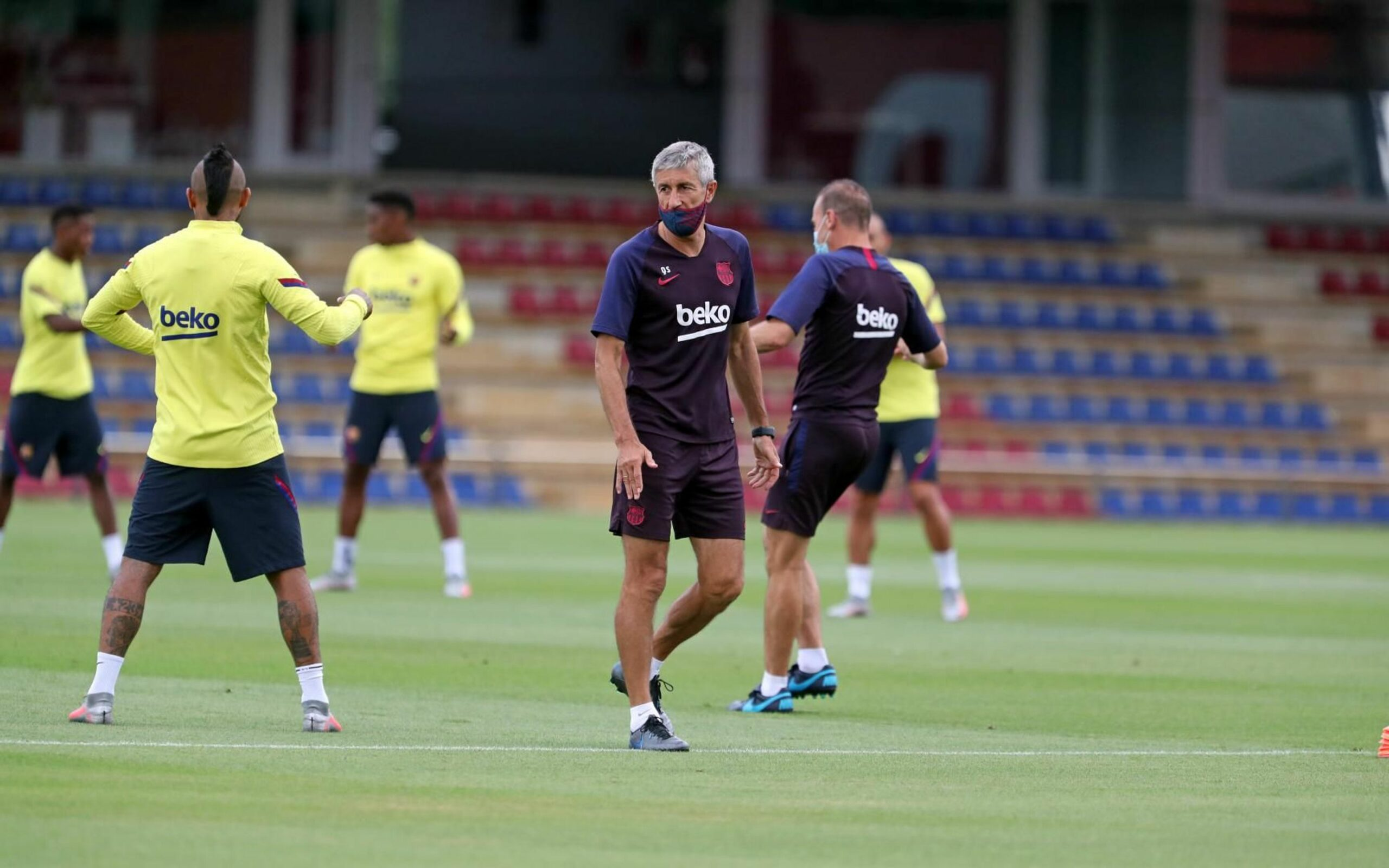 Quique Setién, durant un entrenament |FC Barcelona
