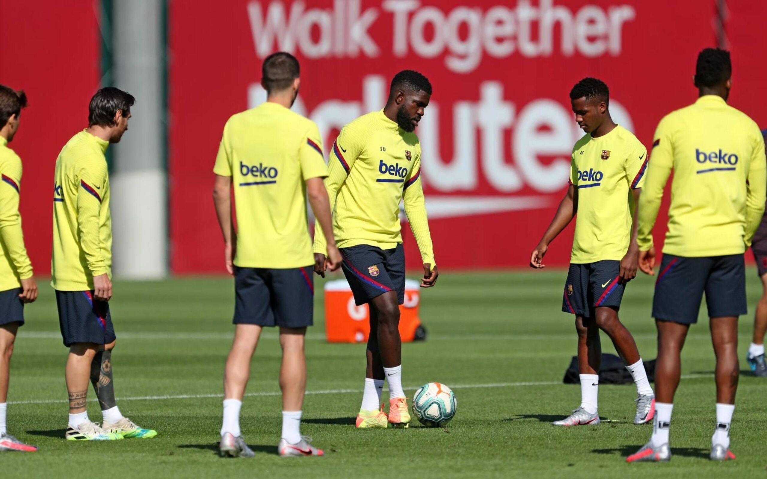 Umtiti, durant l'entrenament | FC Barcelona
