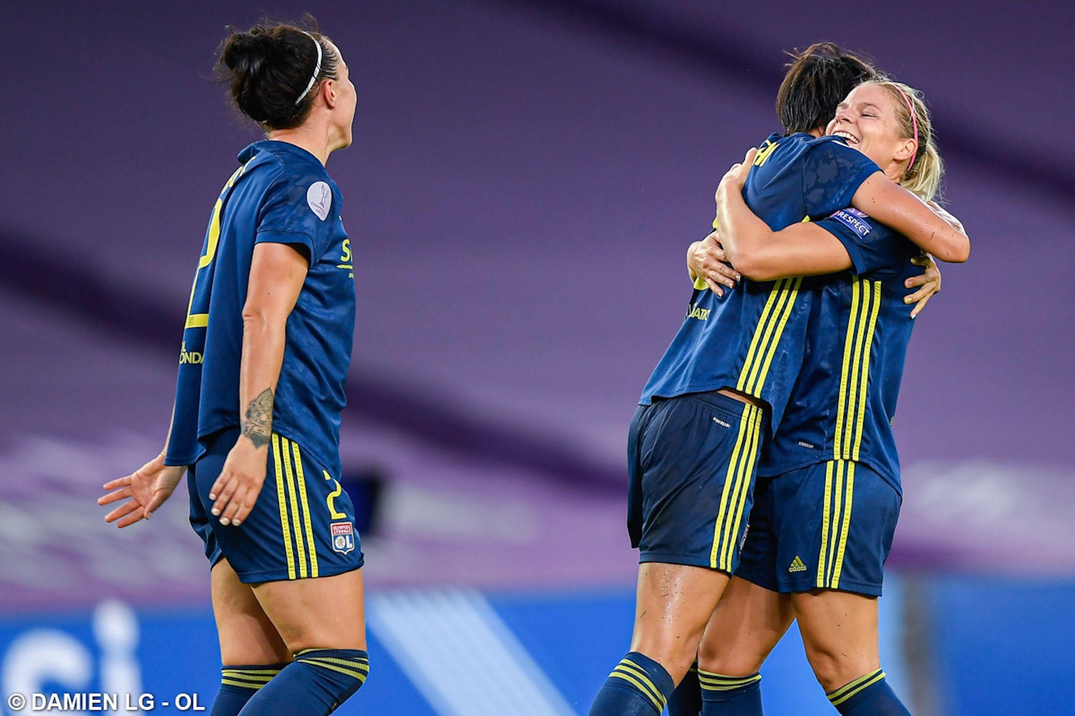 Les jugadores de l'Olympique de Lió celebren la consecució de la Champions   @OLfeminin