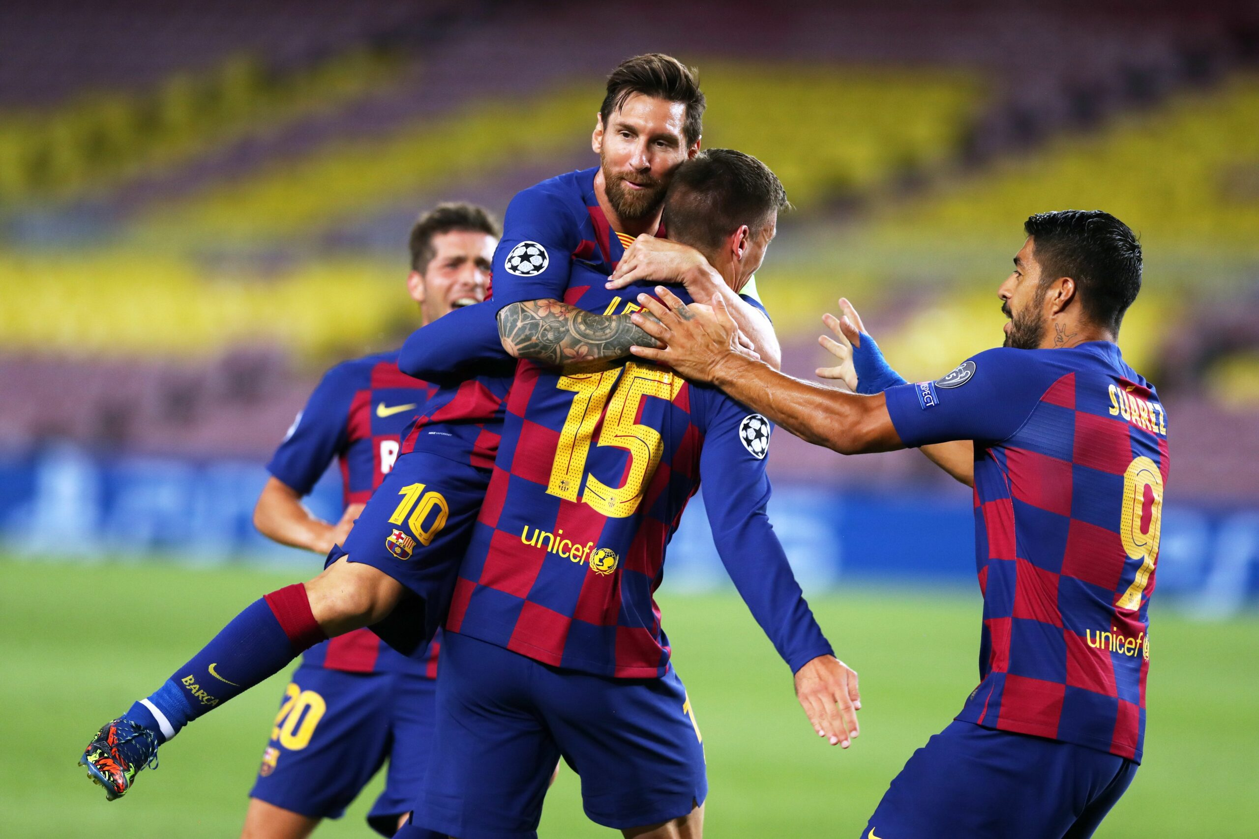 Els jugadors del Barça celebren un dels gols contra el Nàpols | Europa Press