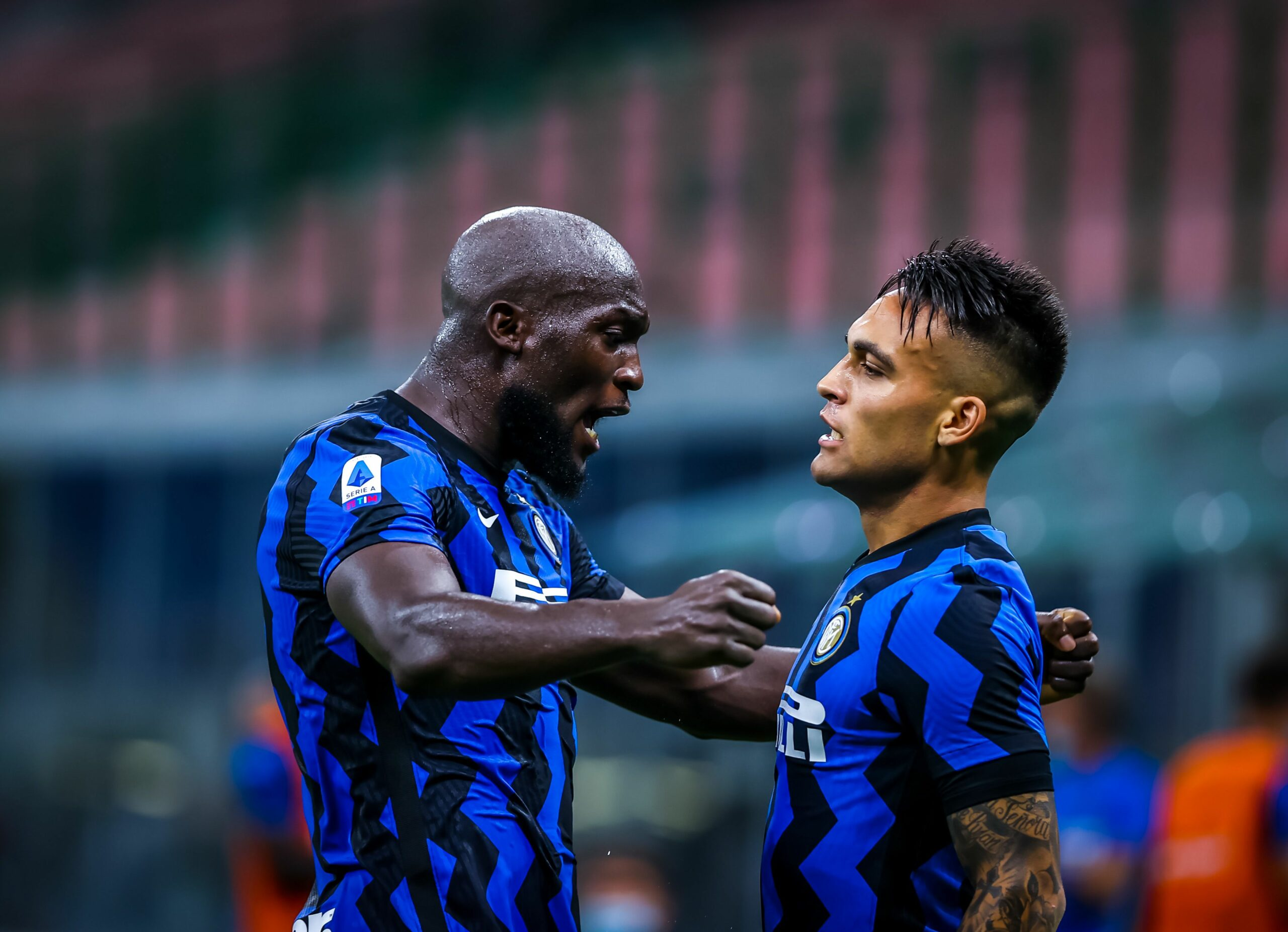 Lukaku i Lautaro celebren un gol  Europa Press