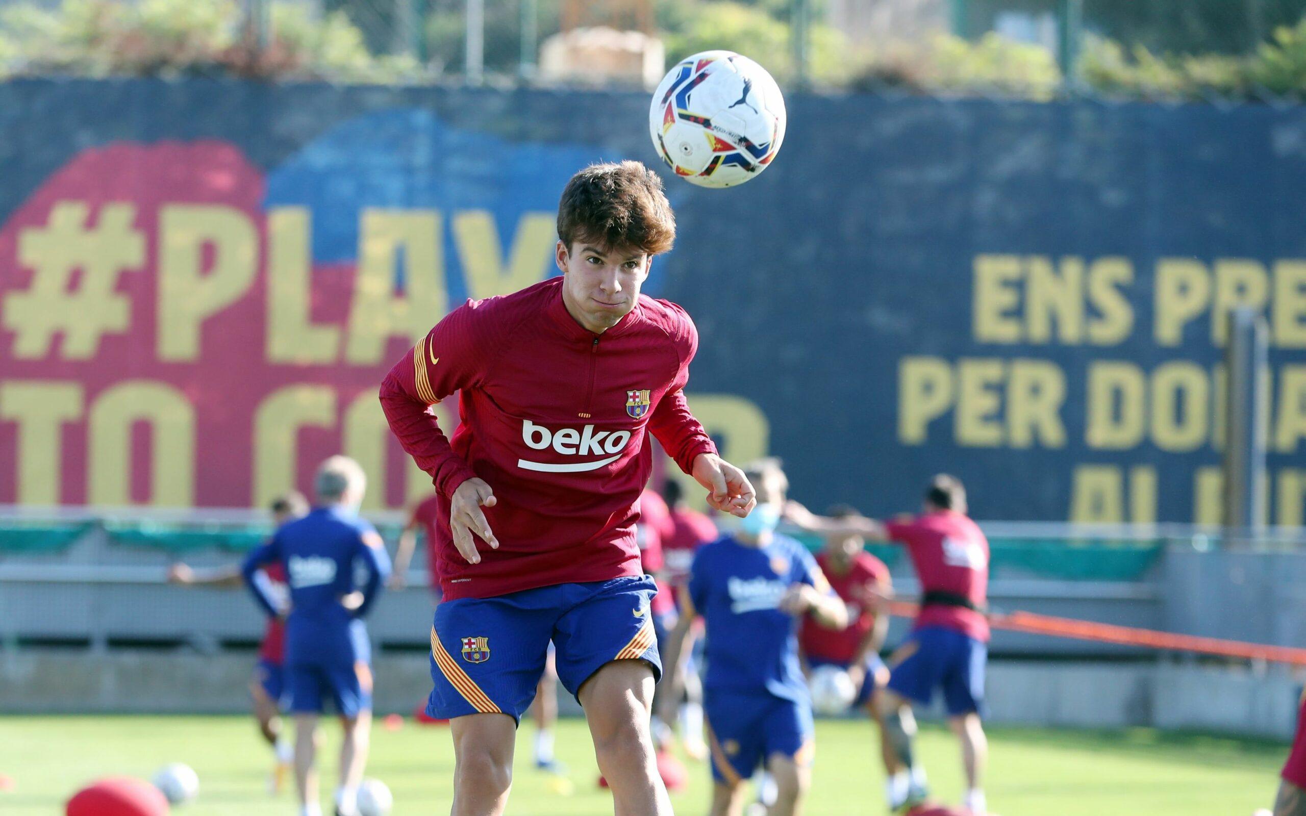 Riqui Puig, durant un entrenament  FC Barcelona