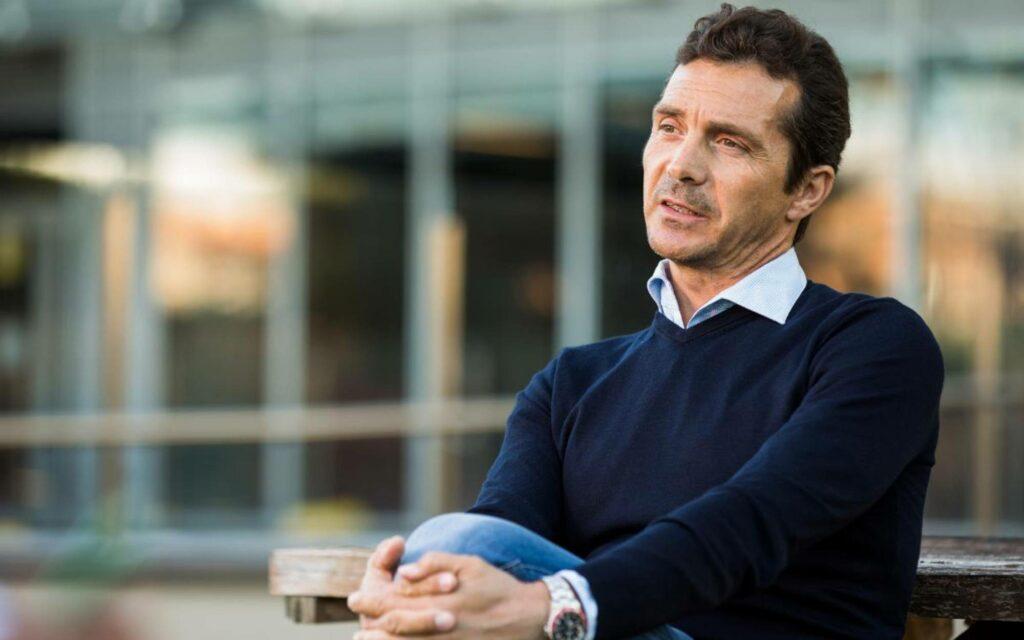 Guillermo Amor, durant una entrevista   FC Barcelona