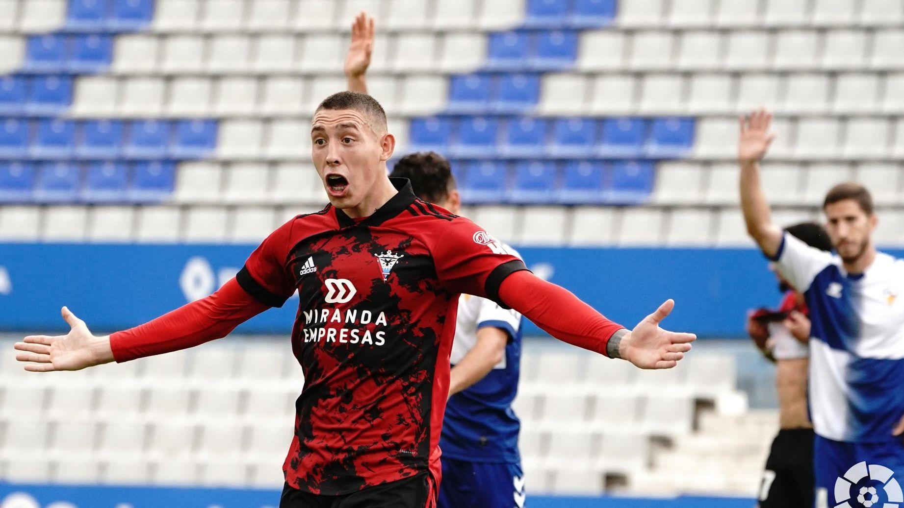 El Mirandés ha marcat les dues dianes a la recta final. | CF Mirandés (LaLiga)