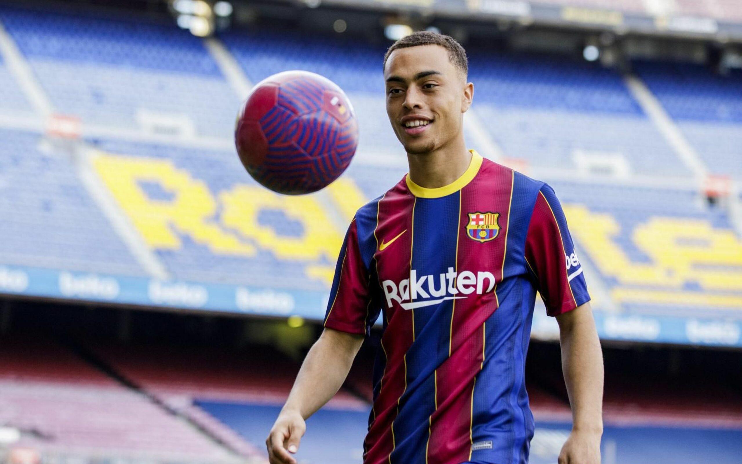 Sergiño Dest, nou lateral dret del Barça | FC Barcelona