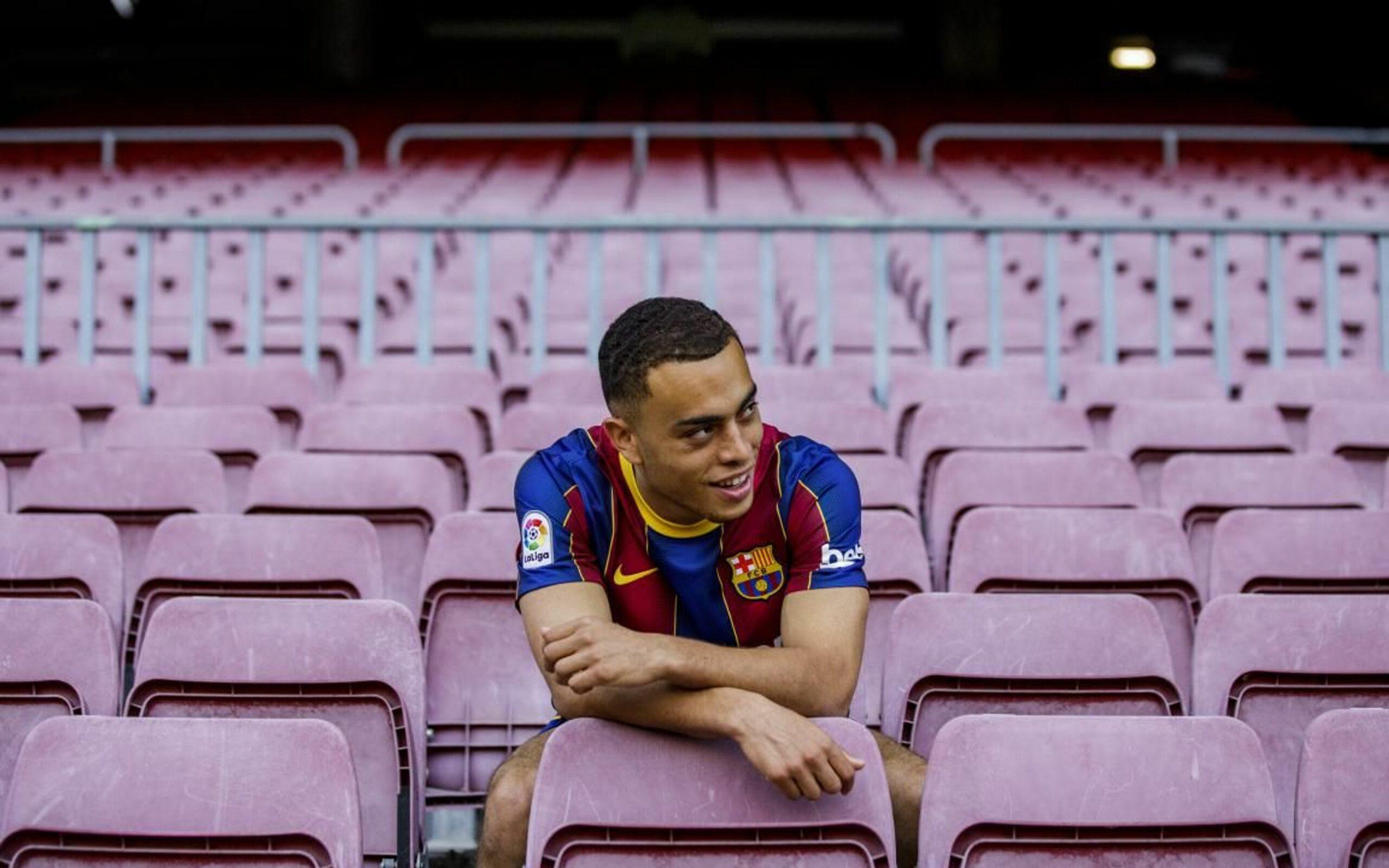 Sergiño Dest, durant la seva presentació | FC Barcelona