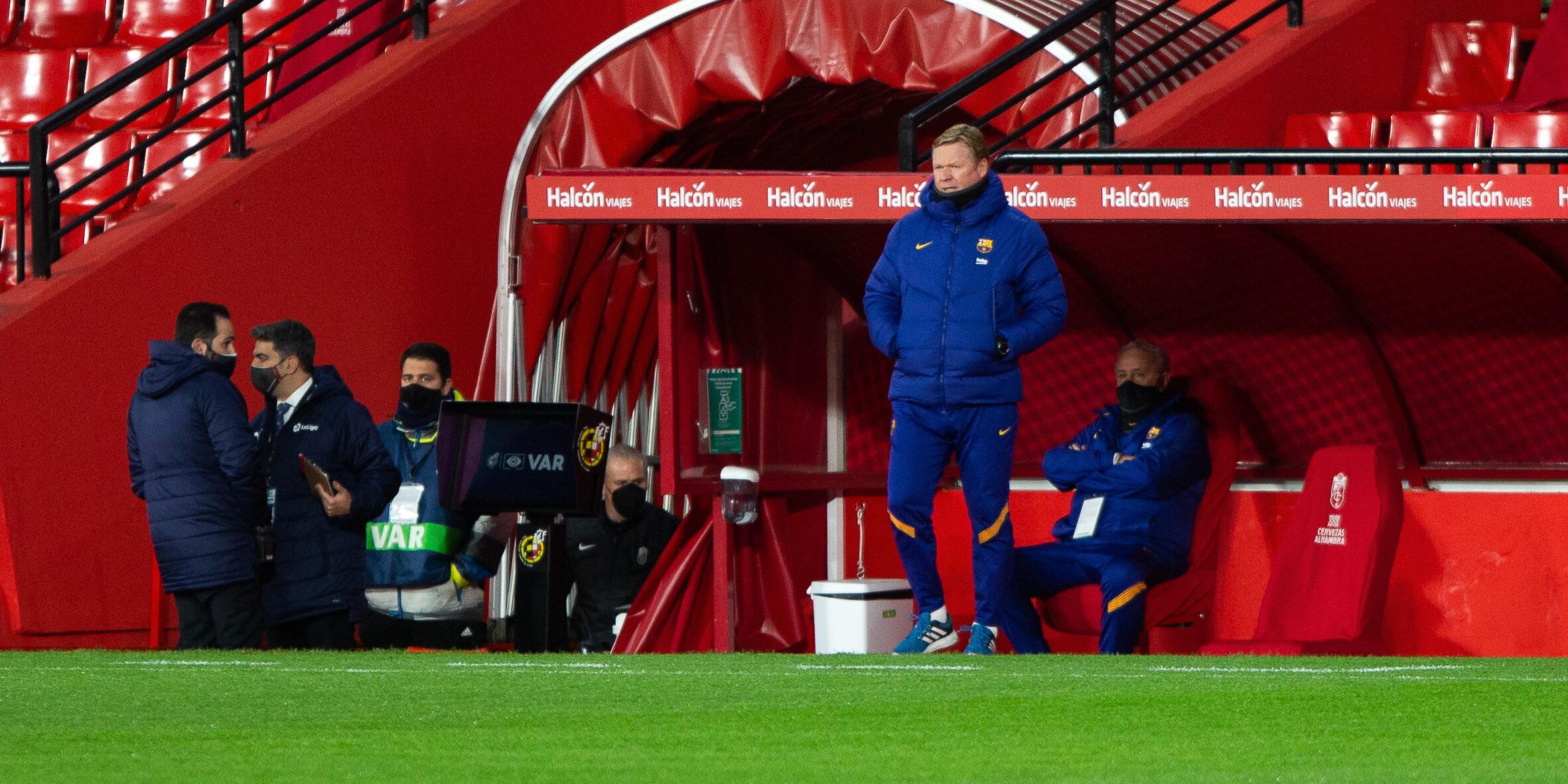Koeman, durant el partit del Barça contra el Granada | Europa Press