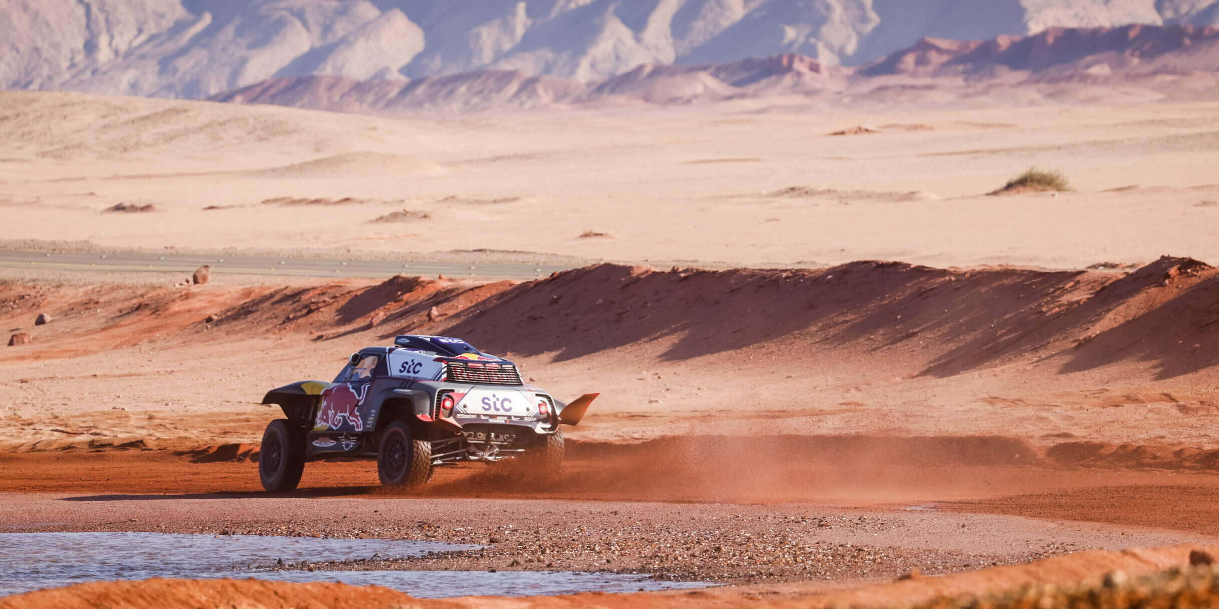 Stéphane Peterhansel, durant una etapa del Dakar | Europa Press