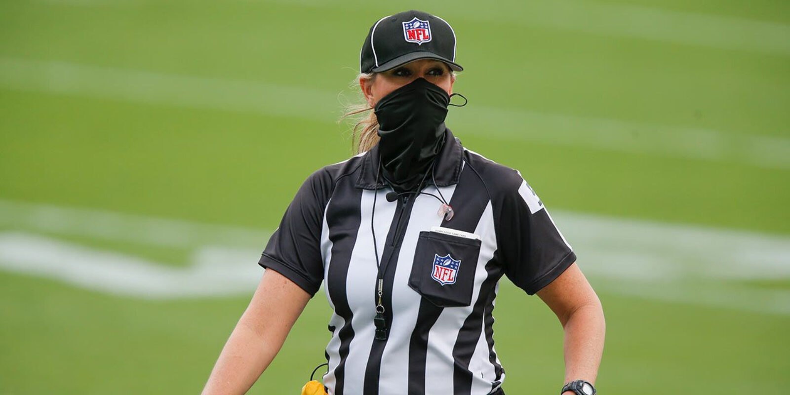 Sarah Thomas arbitrant | NFL