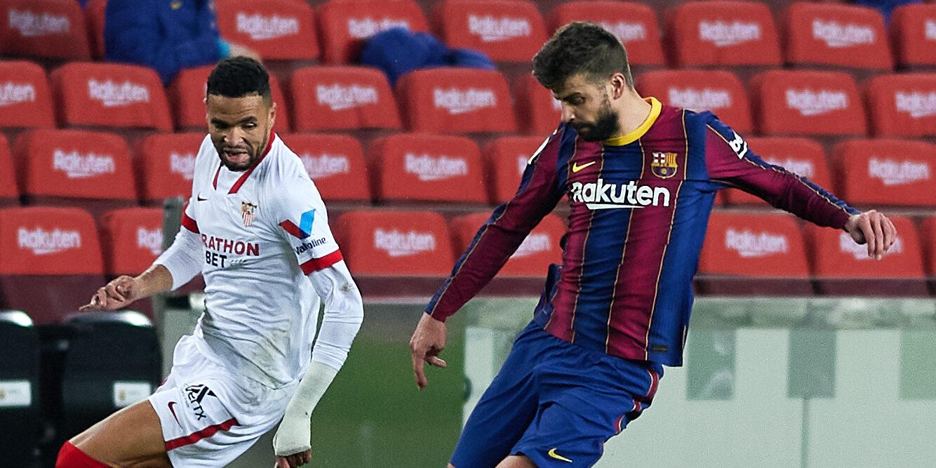 Piqué, durant el partit contra el Sevilla | Europa Press