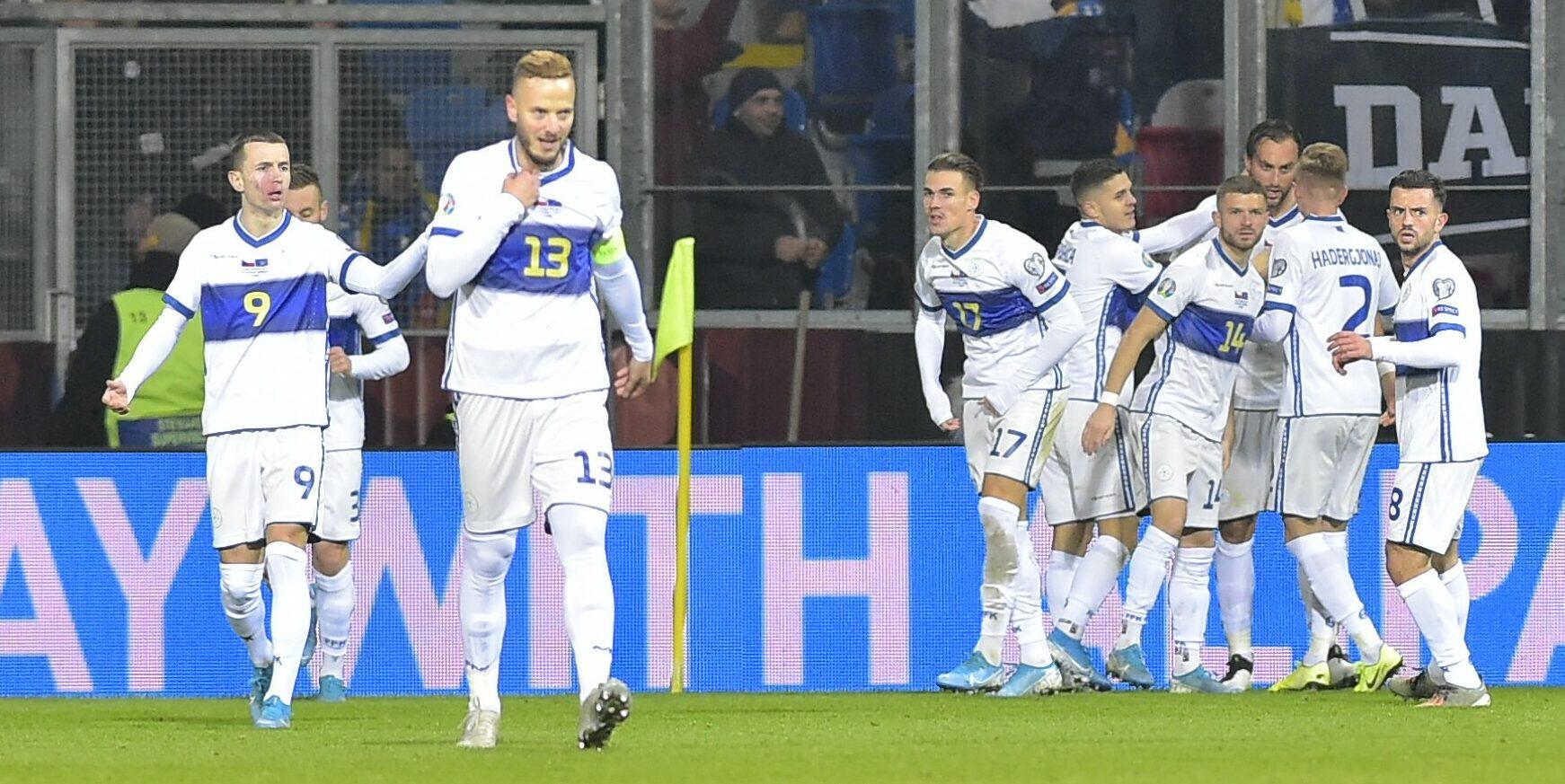 Els jugadors de la selecció de Kosovo celebren un gol | Europa Press