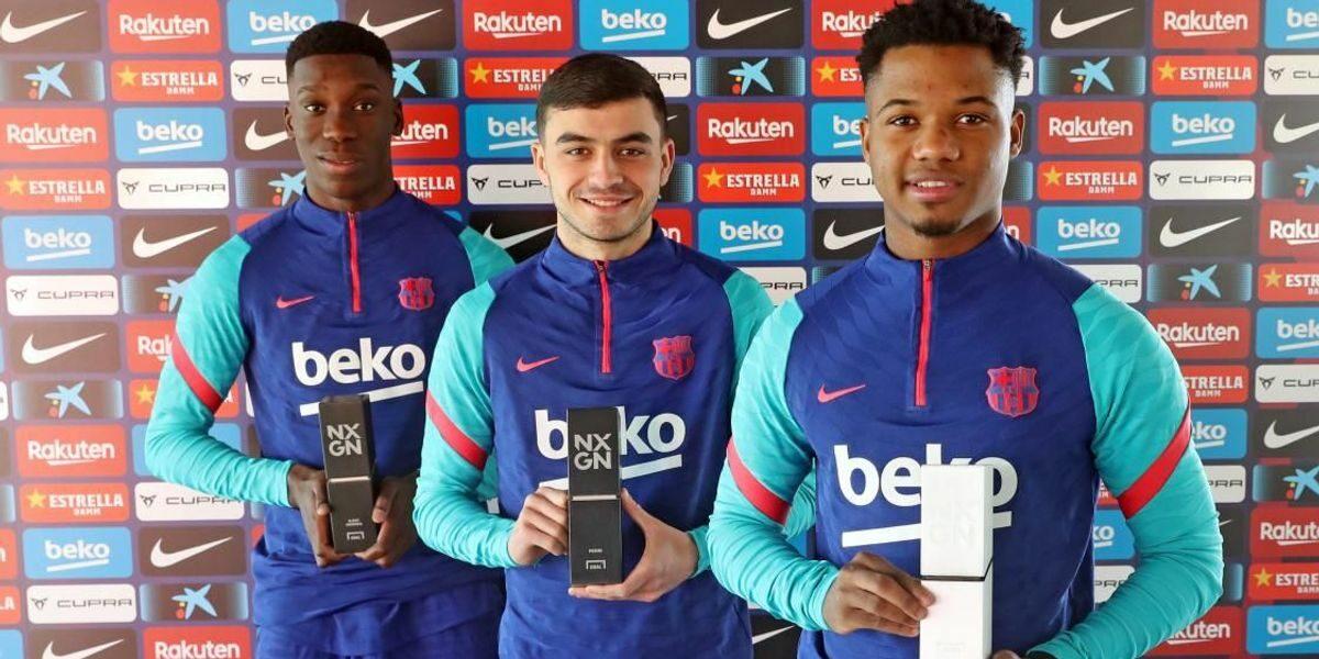 Ansu Fati, Pedri i Ilaix, amb els premis NxGn 2021 | FC Barcelona