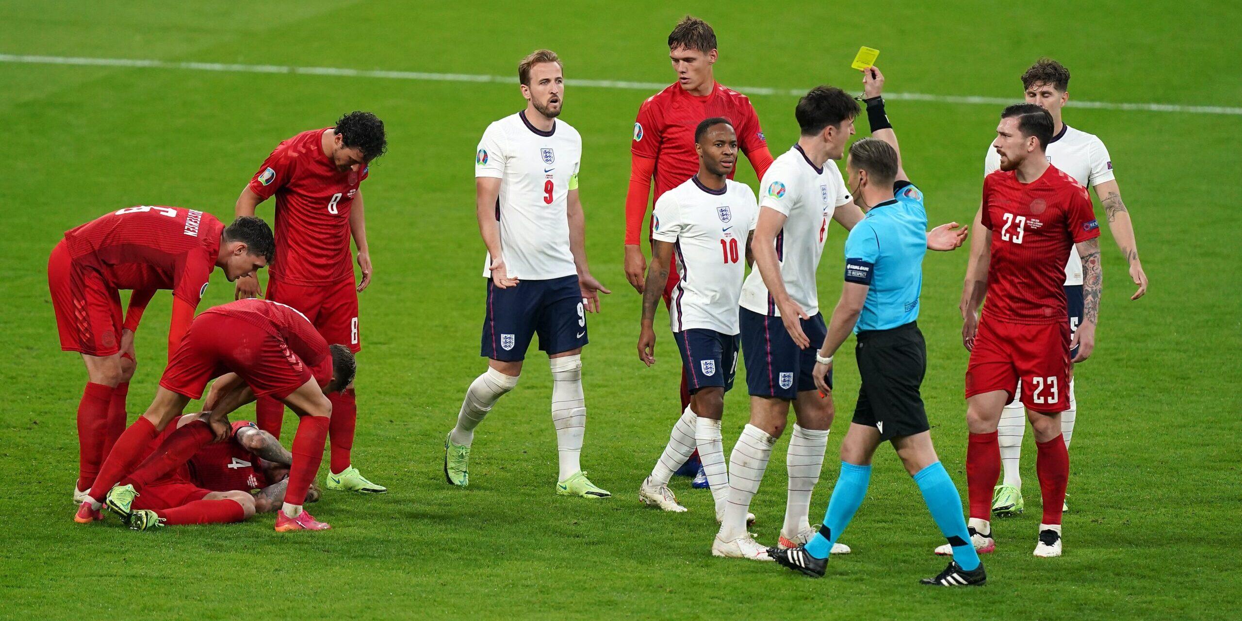 Makkelie mostra una targeta groga a la semifinal de l'Eurocopa | Europa Press