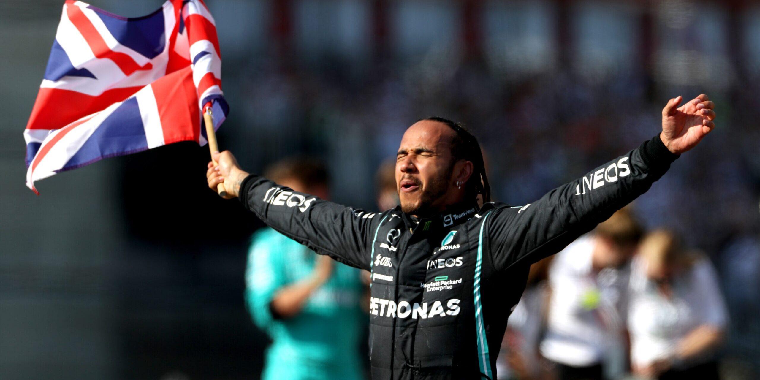 Lewis Hamilton, després de guanyar a Silverstone   Europa Press