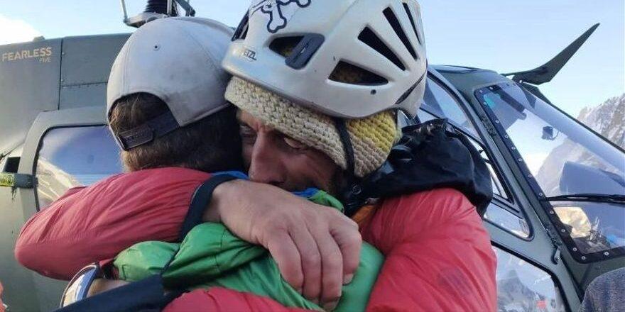L'alpinista català Jordi Tosas, amb el seu company Stephan Keck | @mushtaq_mett