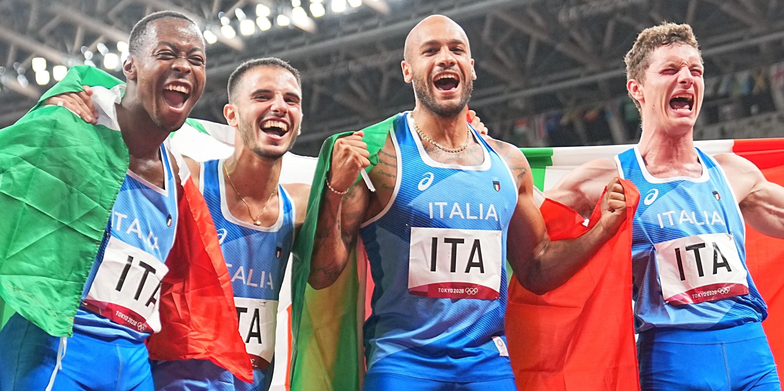 L'equip italià celebra la victòria al 4x100 | Europa Press