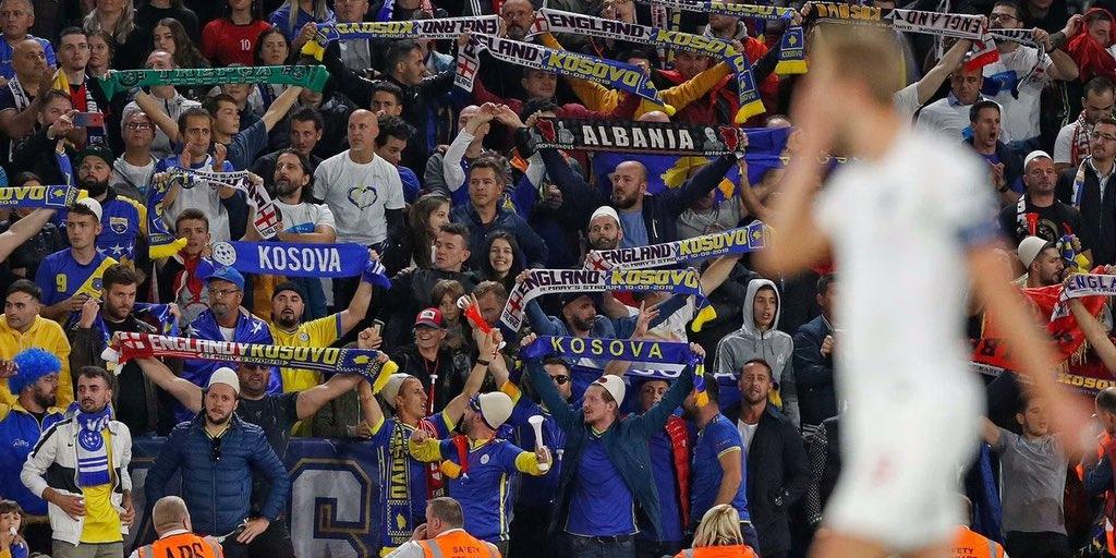 Aficionats kosovars, durant el partit contra la selecció espanyola | Kosovo National Team