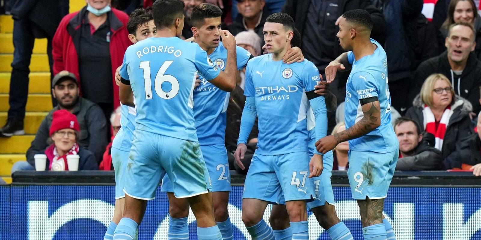 Els jugadors del Manchester City celebren el gol de Foden   Manchester City