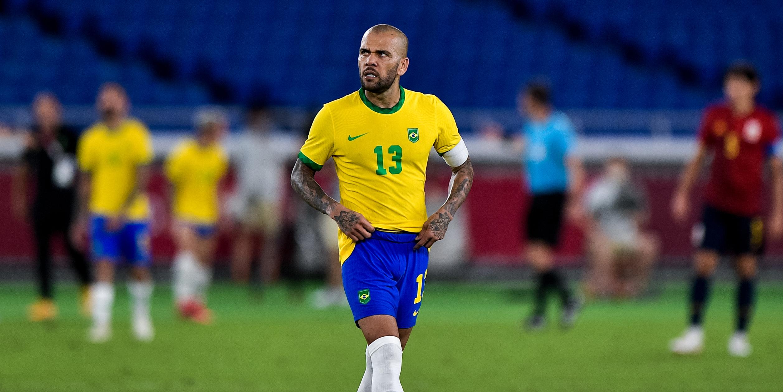 Dani Alves durant un partit de la selecció brasilera   Europa Press