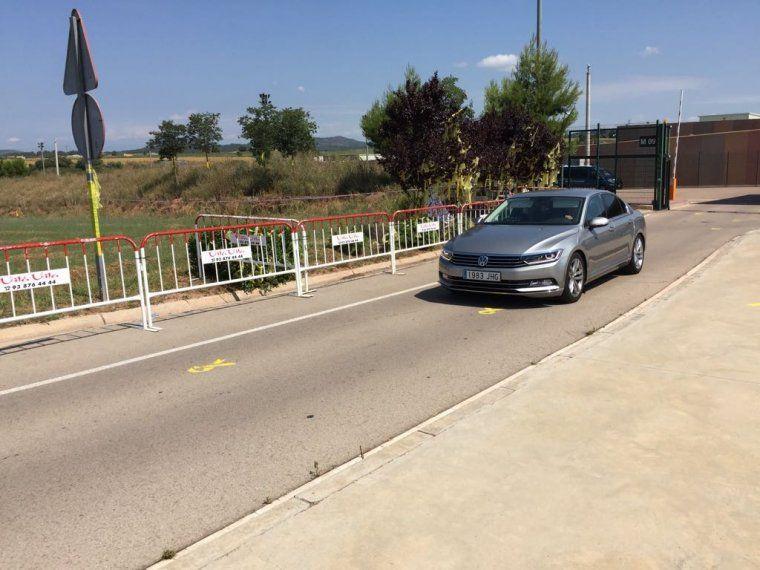 El cotxe dels consellers surten de Lledoners