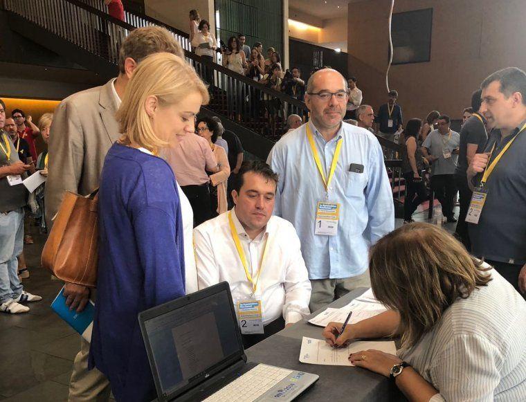 Bonvehí, Guinó, Senserrich i Bel, en el moment de registrar la candidatura