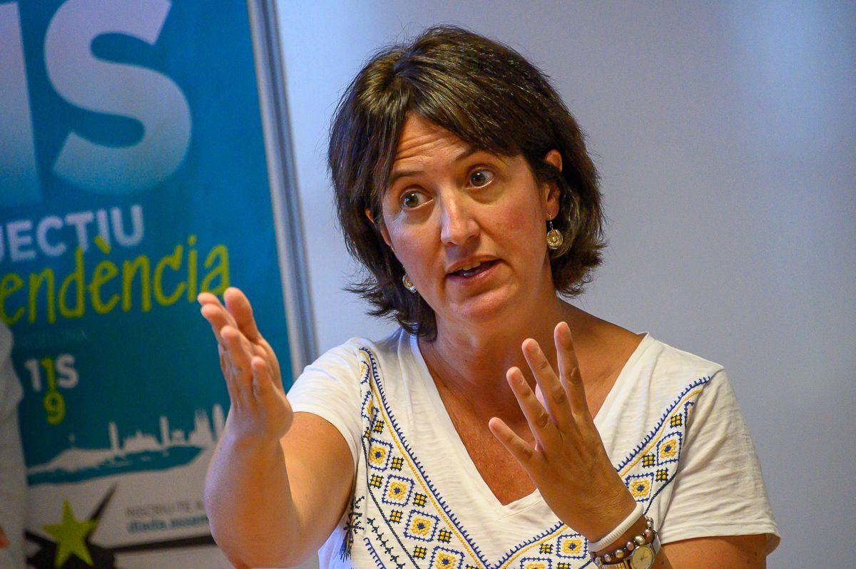 Elisenda Paluzie, la presidenta de l'ANC, a l'acte de la UCE
