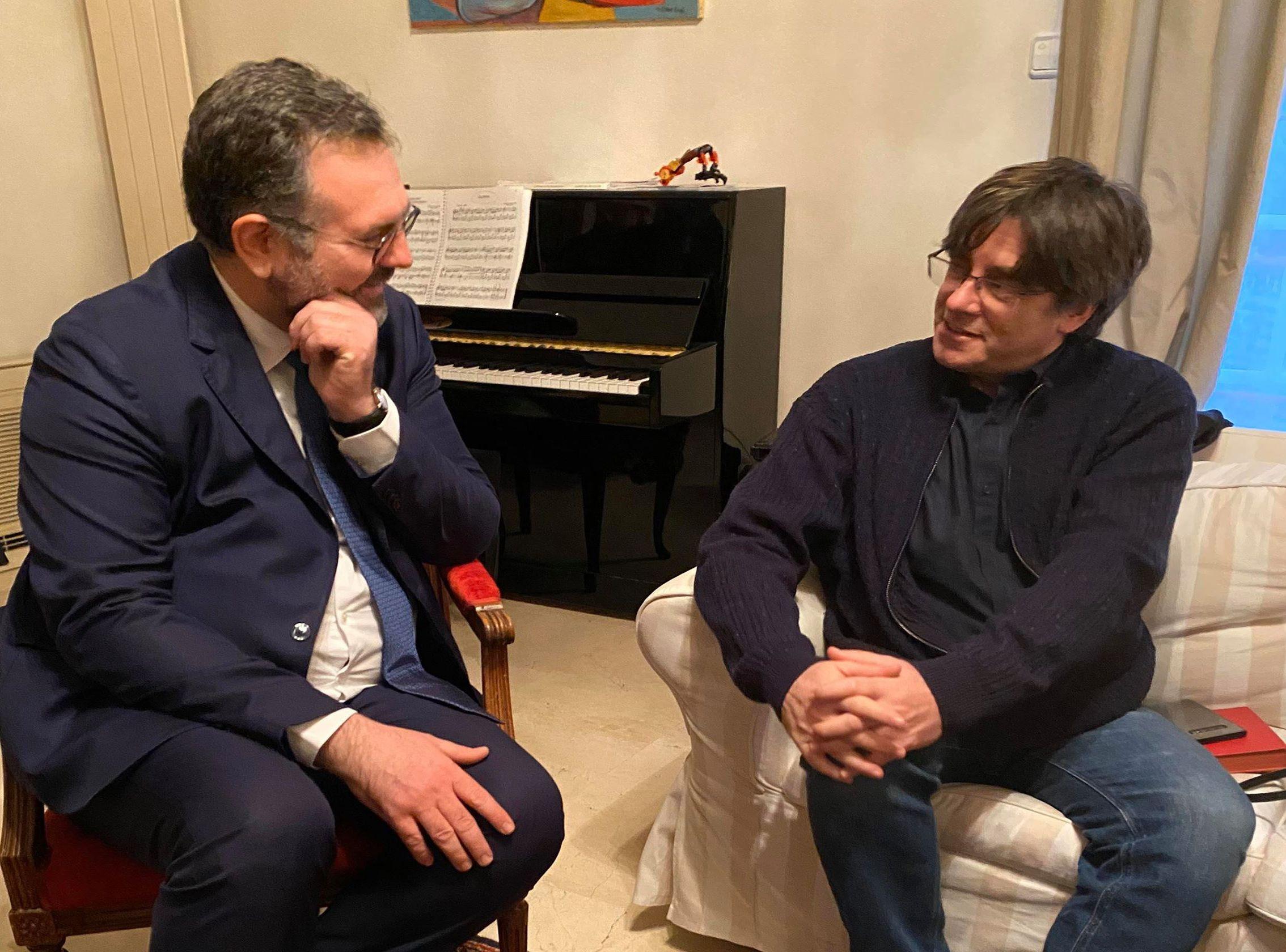 Romain Grau, diputat nord-català i candidat a l'alcaldia de Perpinyà, amb el president Puigdemont | Sí al País Català