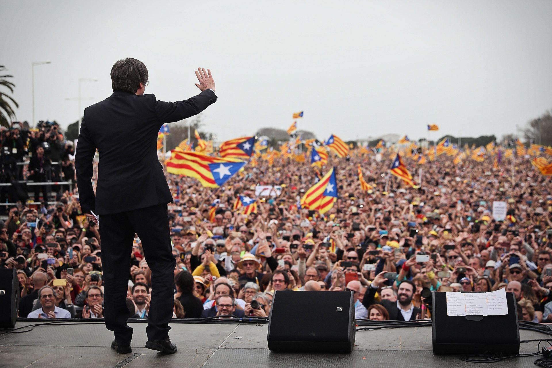 Carles Puigdemont, objectiu principal de l'Estat espanyol JORDI BORRÀS