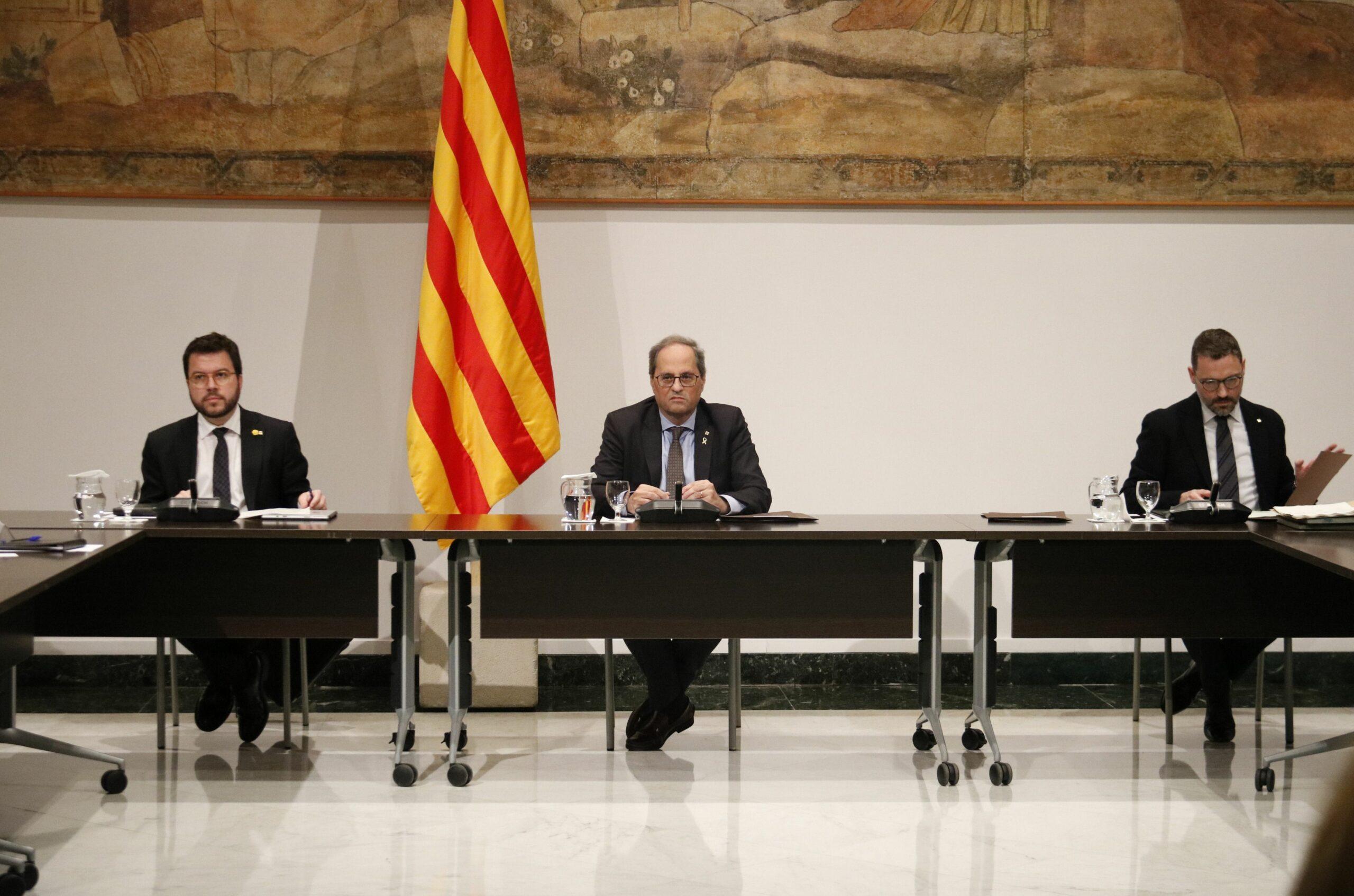 El president de la Generalitat, Quim Torra; el vicepresident, Pere Aragonès, i el secretari del Govern, Víctor Cullell (ACN)