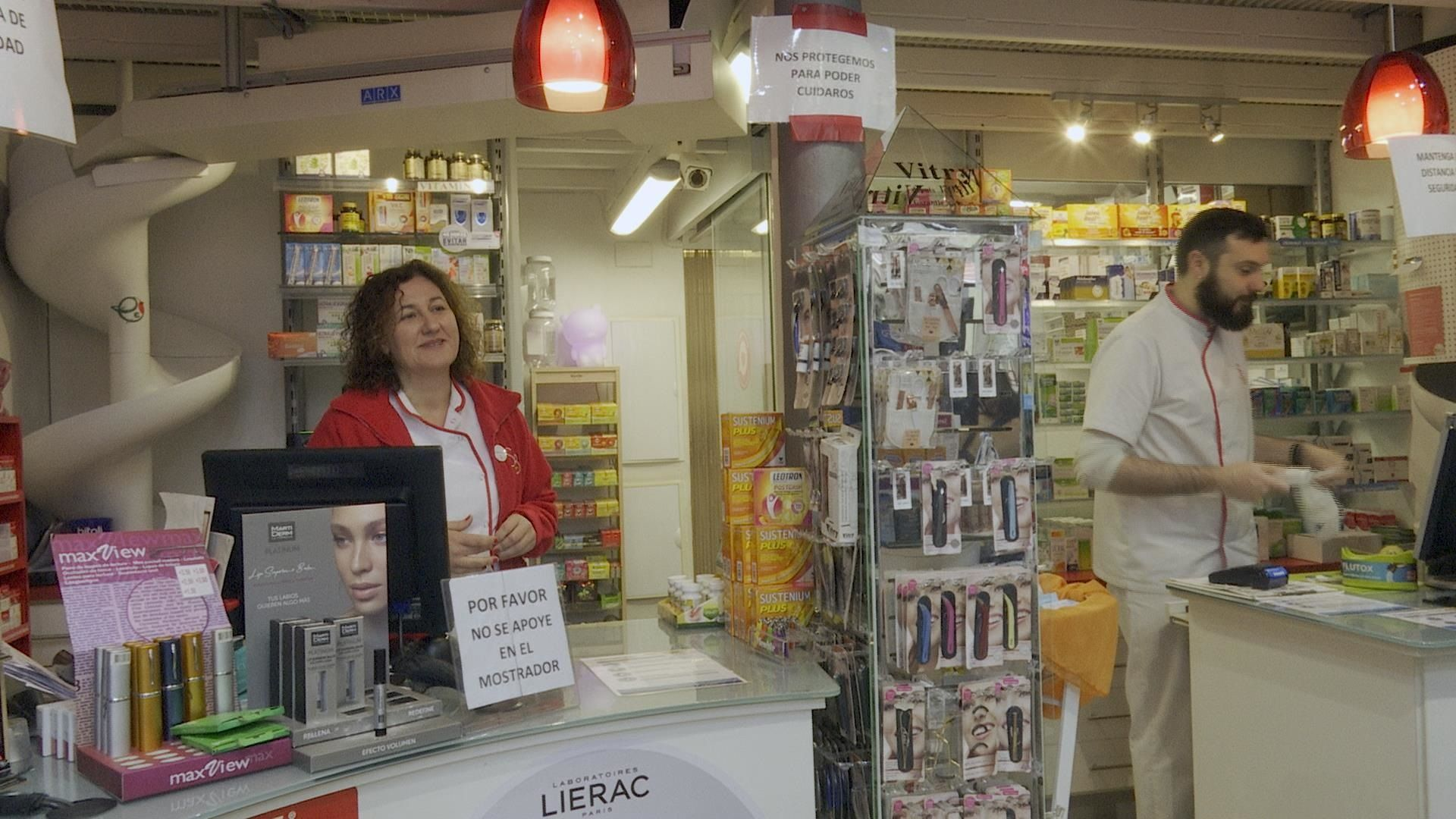 Les farmàcies han vist desaparèixer mascaretes, termòmetres, gel desinfectant i alcohol (EP)
