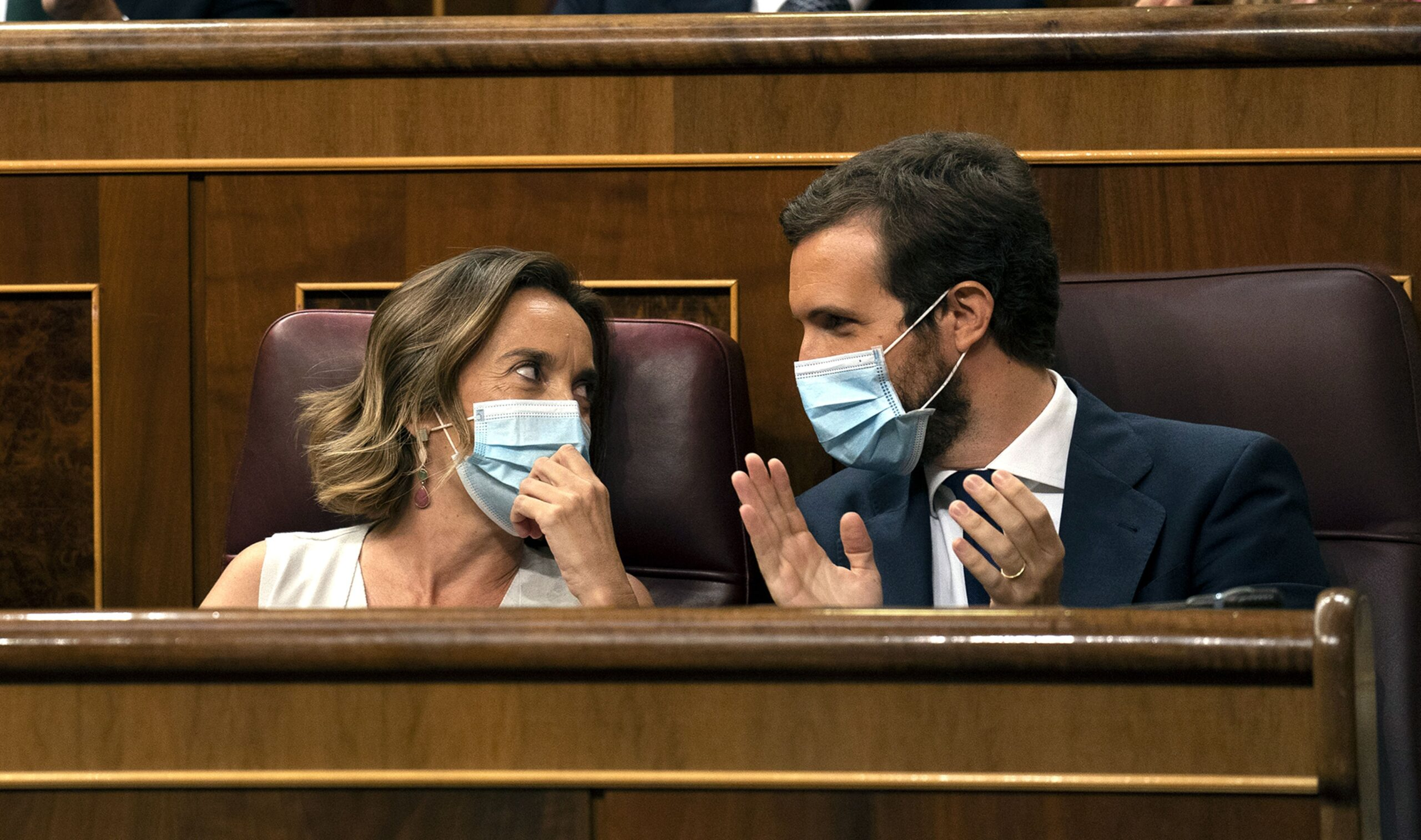 Cuca Gamarra i Pablo Casado, amb mascareta, al Congrés dels Diputats en una imatge d'arxiu