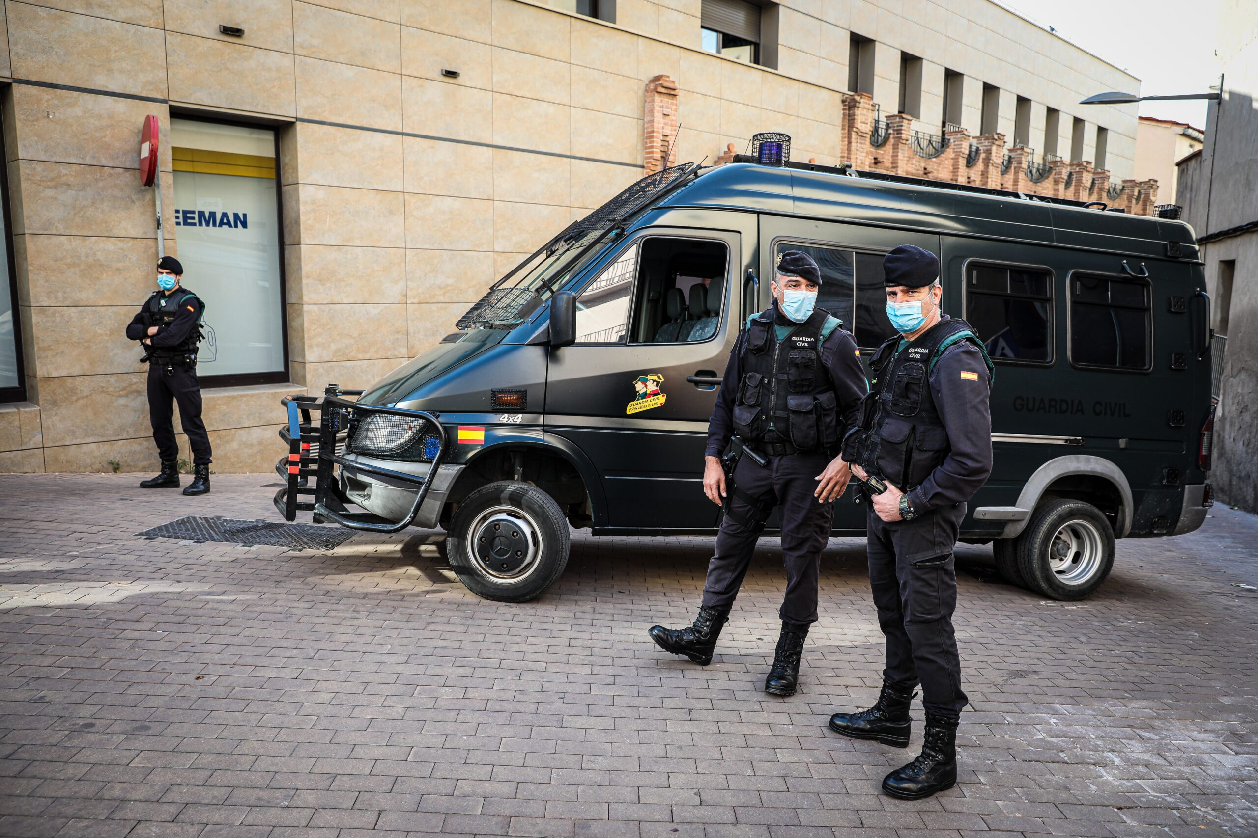 Guàrdies Civils, en els escorcolls d'Igualada aquest dimecres arran de l'operacio Volhov