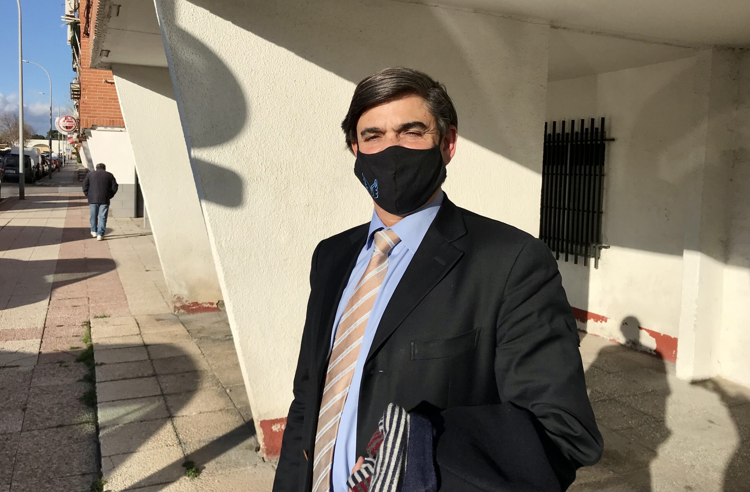L'advocat Agustí Carles, al voltant de l'Audiència Nacional de San Fernando de Henares/Quico Sallés