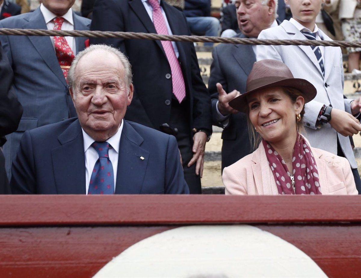 Joan Carles i la infanta Elena, als toros   Europa Press