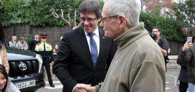 Puigdemont i el seu pare a Amer, en una imatge d'arxiu | ACN