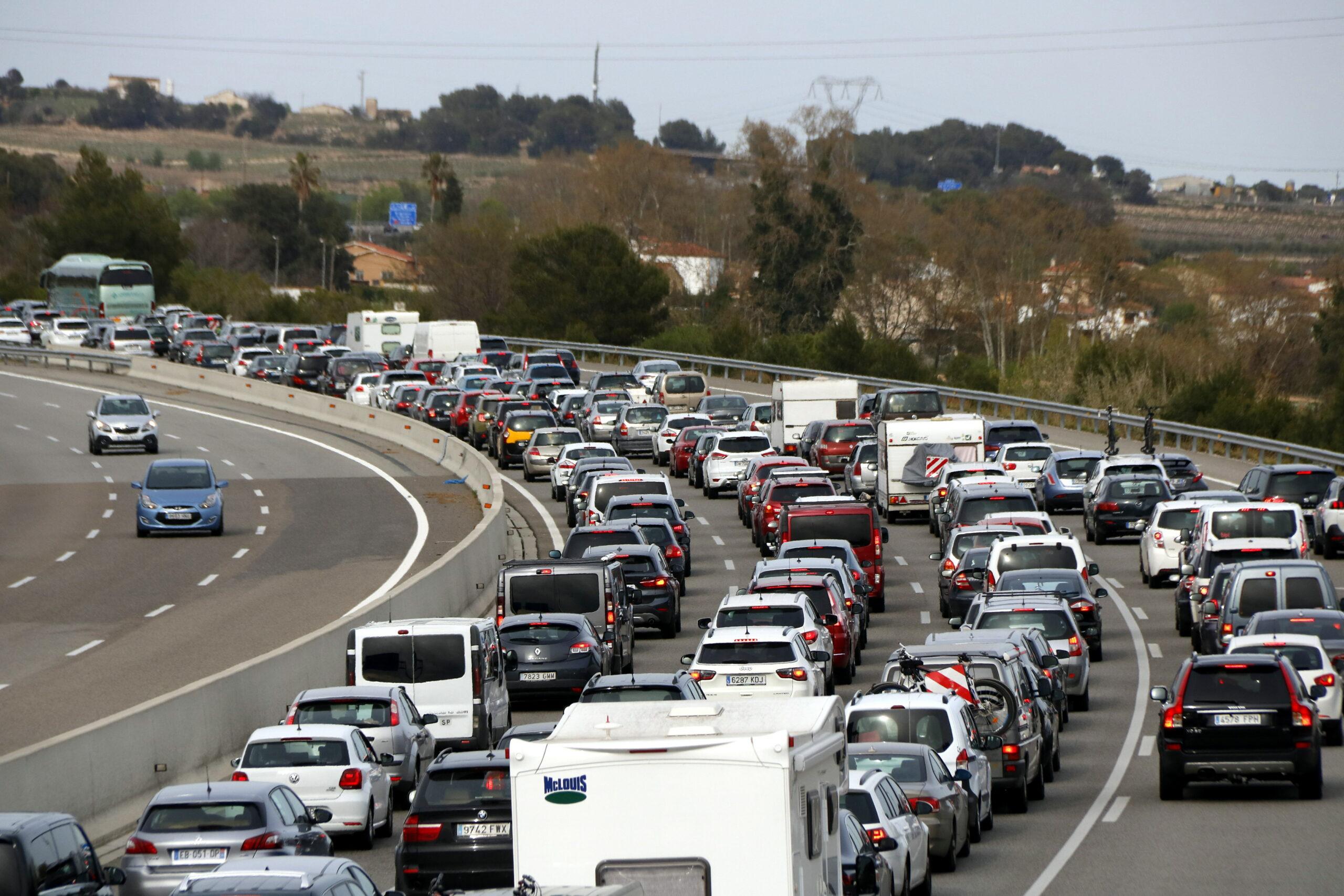 Imatge d'arxiu d'una congestió en una autopista | ACN