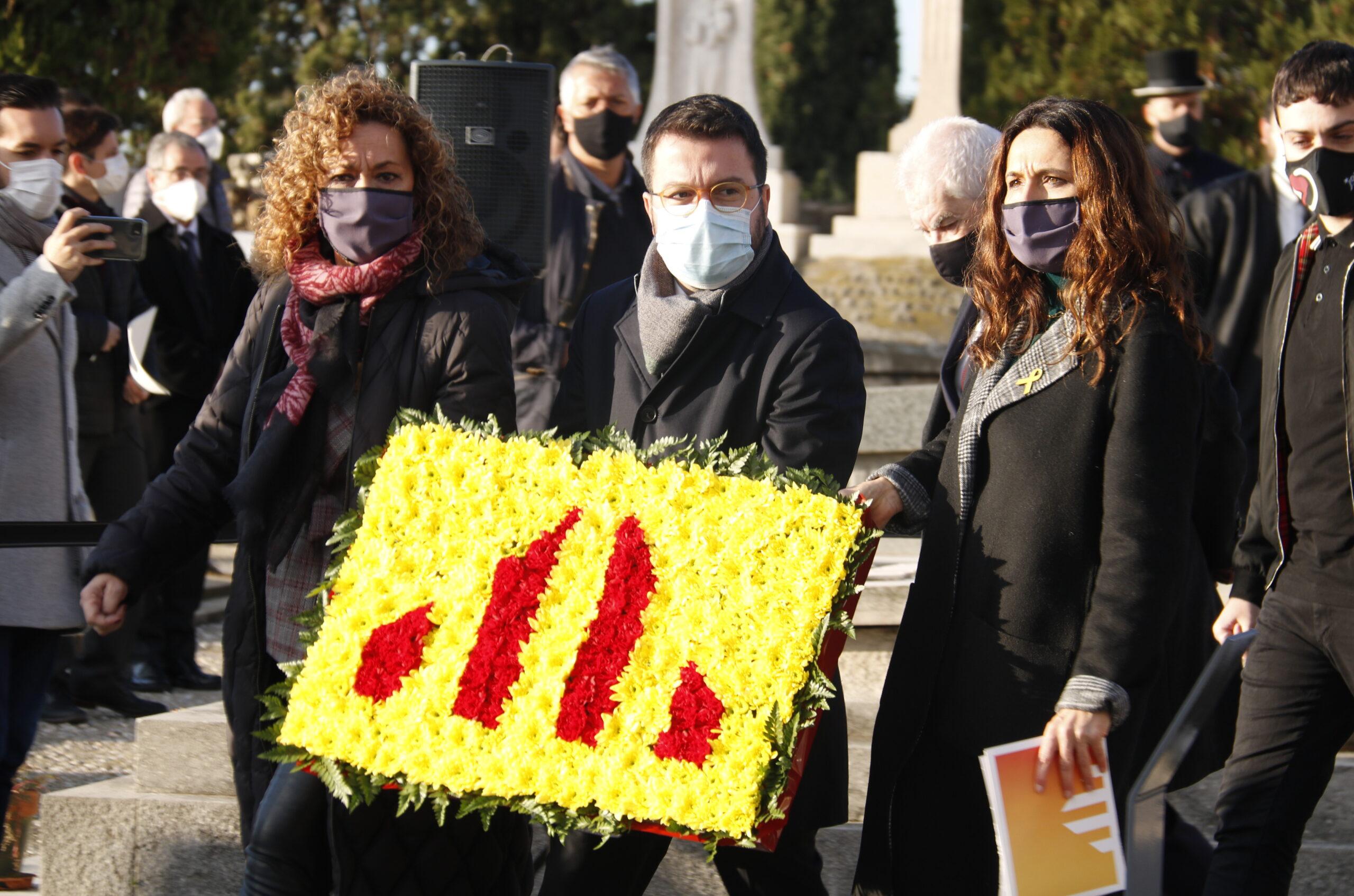 La consellera de Justícia, Ester Capella; el vicepresident de la Generalitat amb funcions de president, Pere Aragonès, i la número dos d'ERC per Barcelona al 14-F, Laura Vilagrà, el 25 de desembre de 2020 / ACN