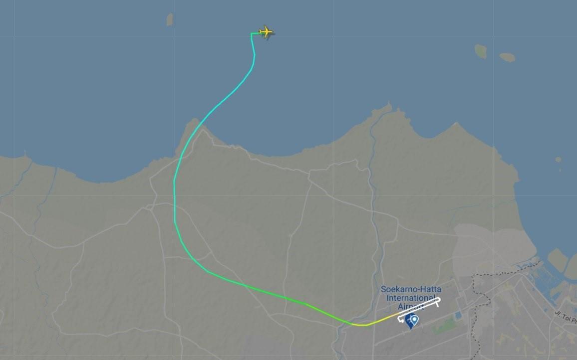 La trajectòria de l'avió estavellat a Indonèsia   FLIGHTRADAR 9/1/2021