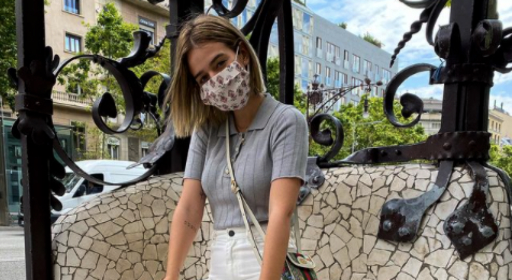 Laura Escanes es fa fotos a Passeig de Gràcia / Instagram